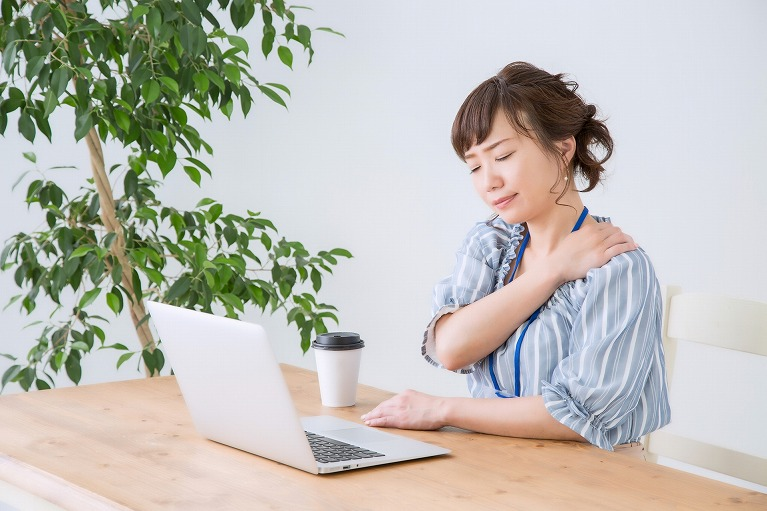 肩こり、首の痛みの原因